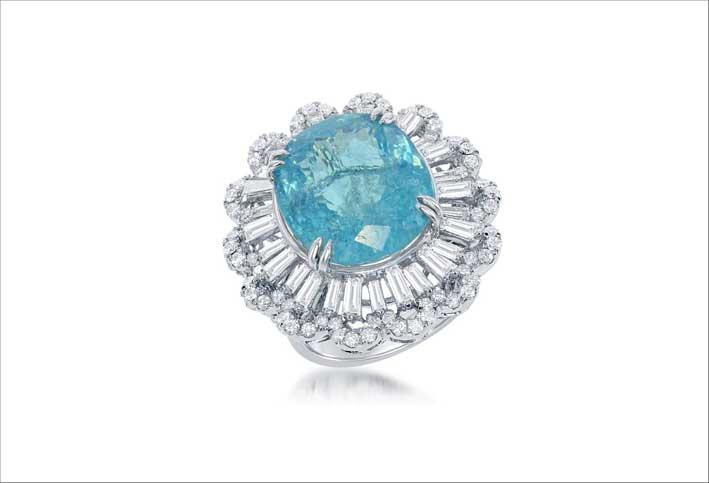 Anello con diamanti e tormalina paraiba