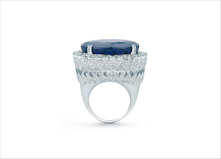 Anello con diamanti e tanzanite