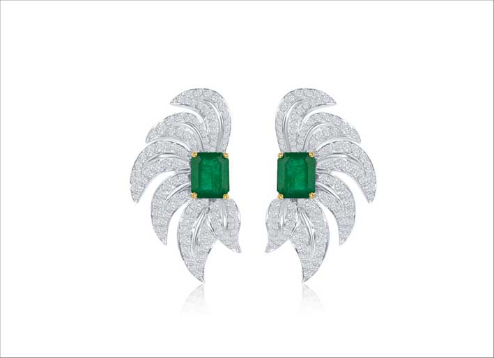 Orecchini con smeraldi e diamanti