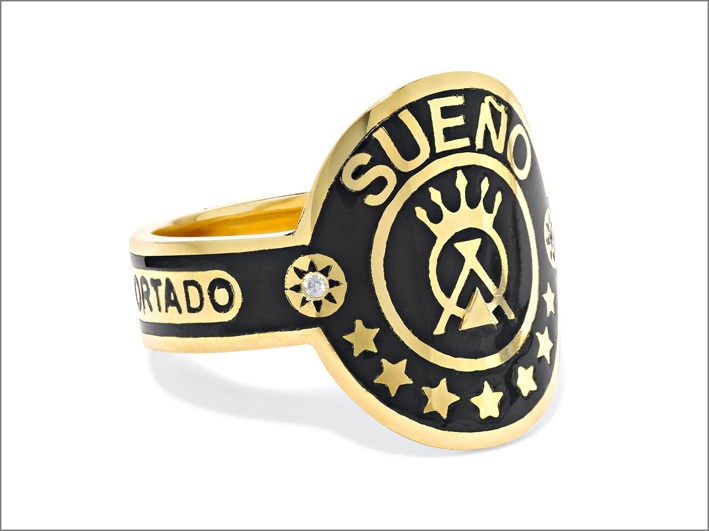 Anello Sueño, oro giallo, diamanti e smalto