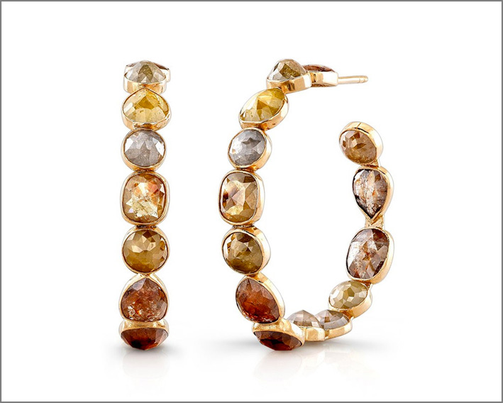 Bavna, orecchini in oro giallo con diamanti di diverse sfumature