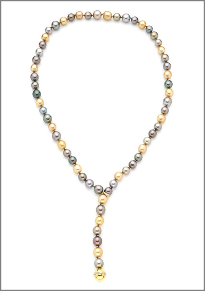 Collana in oro con perle di Tahiti e diamanti