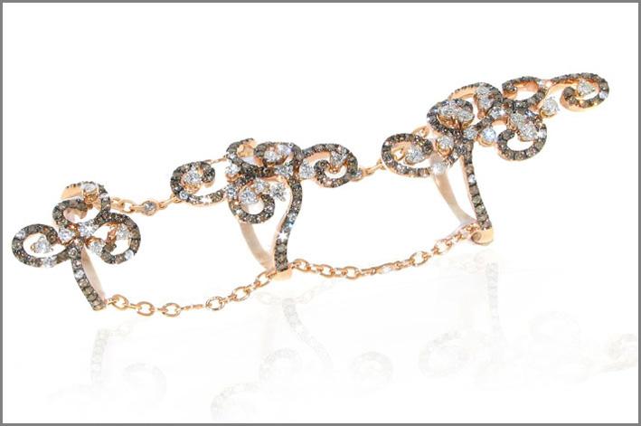 Casato, anello della collezione Daphne