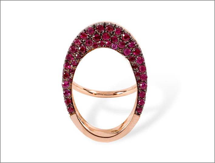Anello girevole in oro rosa e rubini