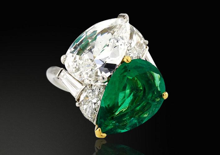 Anello Toi et Moi di Bulgari, con diamante e smeraldo