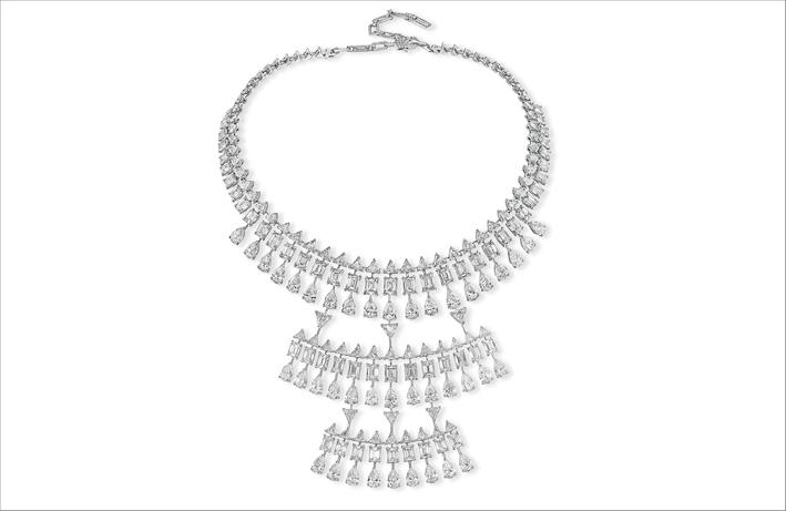 Alta gioielleria: collana Solena Maya, con 185 diamanti taglio smeraldo, pera e a piramide