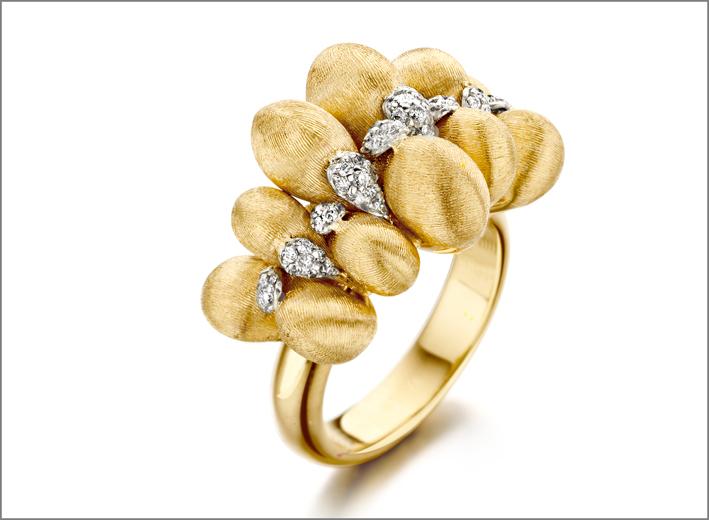 Anello in oro e diamanti della collezione Trasformista