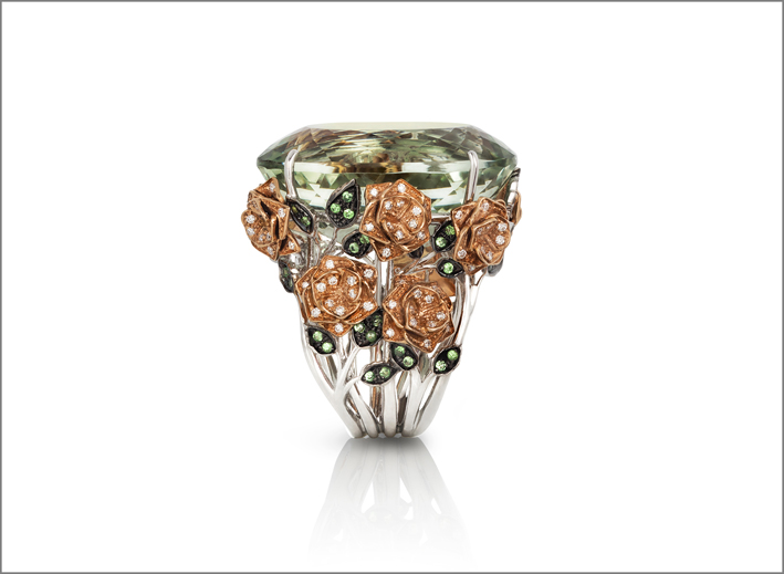 Unique piece in white, red and black gold with diamonds, prasiolite and natural green garnet