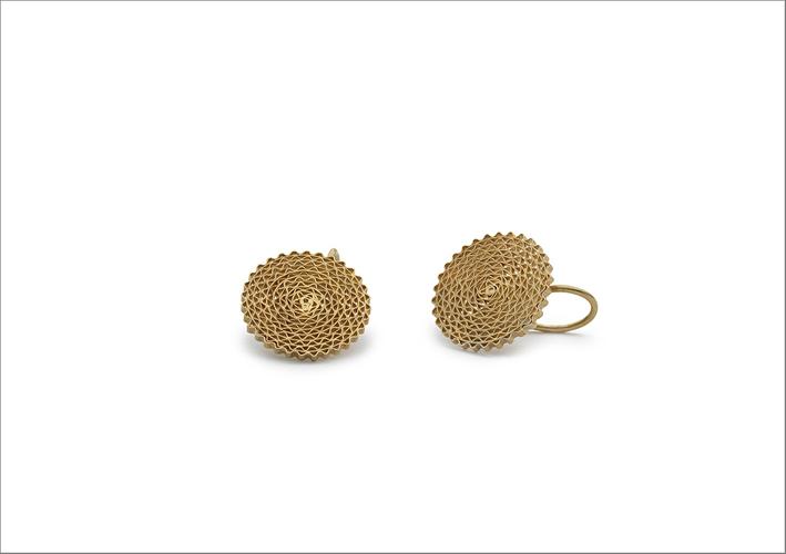 Orecchini della collezione Malha, in argento dorato. Prezzo: 130 euro