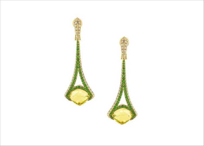 Orecchini pendenti in oro giallo 18 carati con granati e diamanti