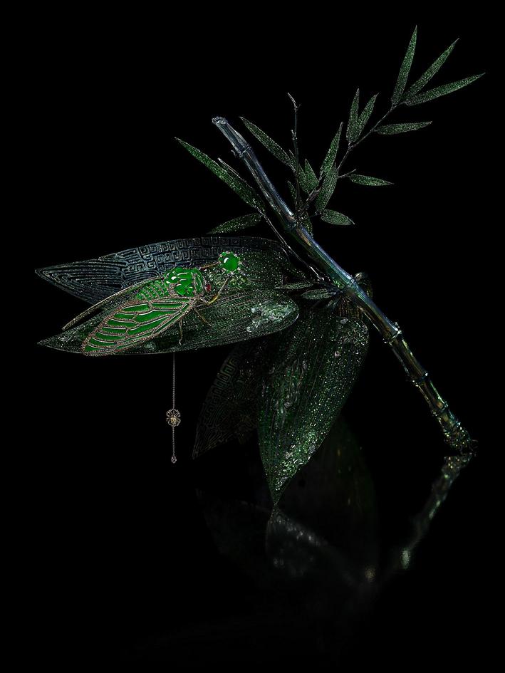 Stilled Life, spilla scultura. Spilla: giadeite imperiale, giada lavanda, rubino e diamanti fancy. Scultura di bambù: cristallo, diamante giallo, zaffiri rosa, granati, tzavorite