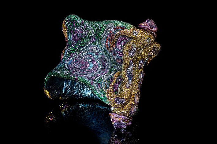 A Lyrical Moment, bracciale con zaffiri colorati, granat,i tsavorite, diamanti bianchi e giali, rubini e ametiste