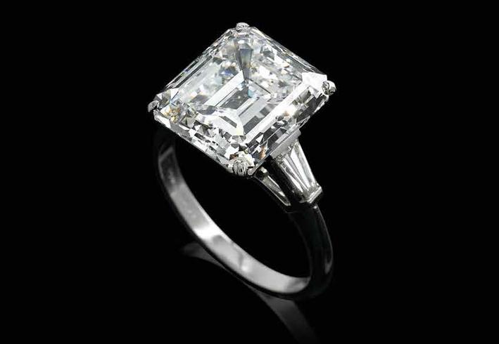 Anello con diamante da 10,40 carati, taglio smeraldo