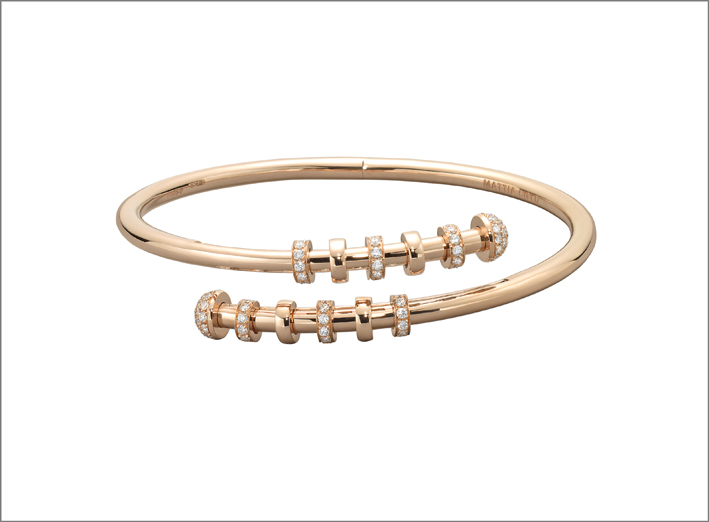 Bracciale in oro rosa con elementi scorrevoli anulari in oro e diamanti della collezione Nebula