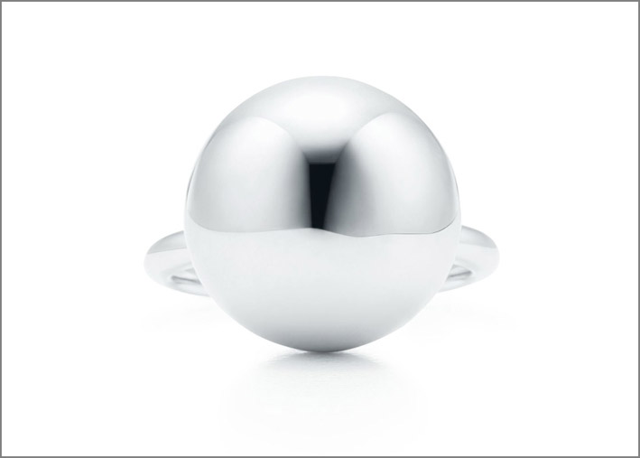 Anello Ball. Collezione Tiffany City HardWear. Prezzo: 230 euro