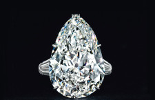 Anello di Harry Winton diamante pera circa 29.01 carati, valutato 1,3 milioni