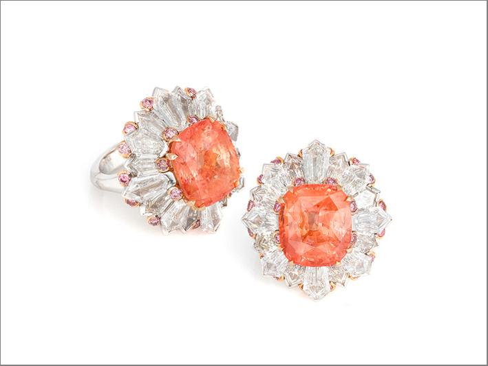 Anelo in oro bianco, diamanti rosa, diamanti bianchi e piccoli zaffiri Padparadscha