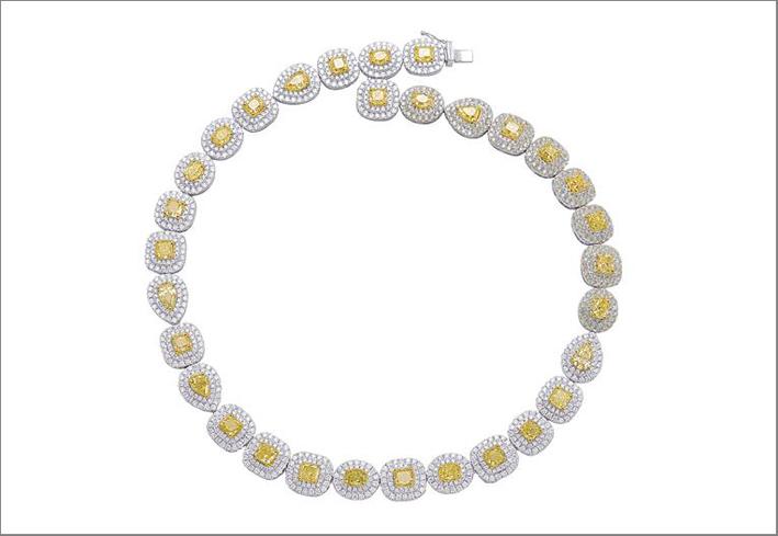Collana con diamanti fancy yellow naturali