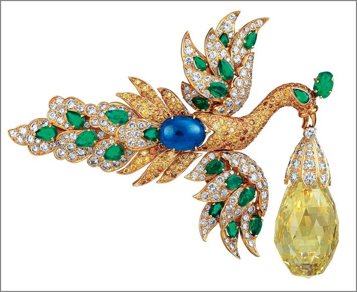 Van Cleef & Arpels, spilla con uccello e uovo composto da un diamante di 95 carati