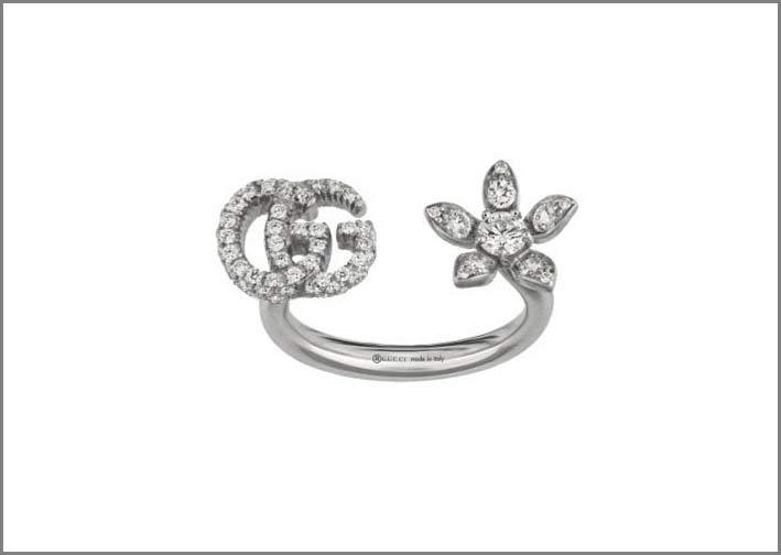 Gucci, anello della collezione Flora con logo