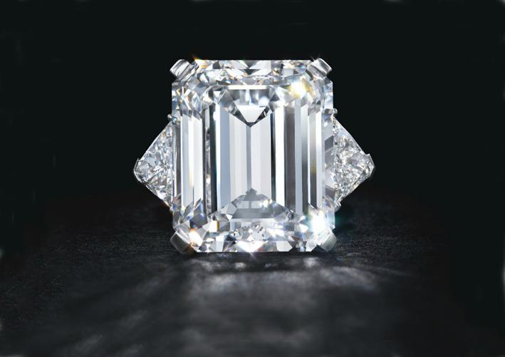 Anello di Van Cleef 6 Arpels con diamante taglio smeraldo di 22 carati