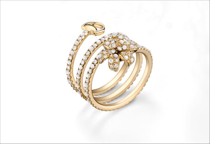 Nuovo anello della collezione Flora, in oro rosa e diamanti