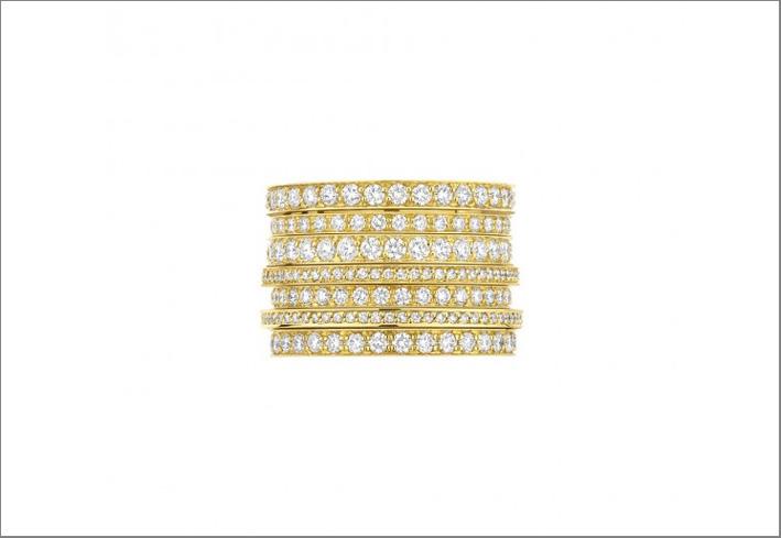 Anello in oro giallo a sette cerchi con diamanti per 3,86 carati