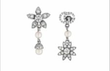 Gucci, orecchini della collezione Flora