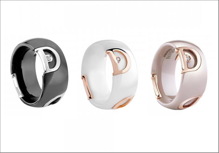 Anelli in ceramica bianca , rosa o nera con inserti in oro rosa e diamanti. Prezzo: 990 euro