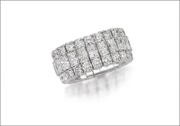 Anello con diamanti radiant