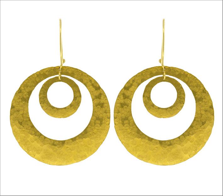 Orecchini a cerchio in oro giallo