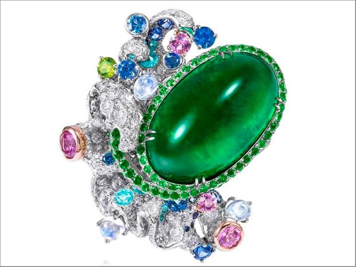 Anello Sirens Aria, con uno smeraldo da oltre 20 carati