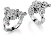 Anelli della collezione Platinum. Platino e diamanti