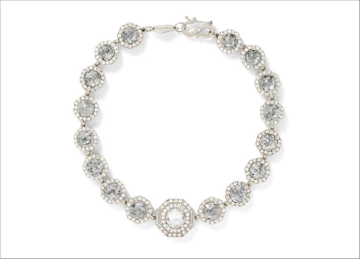 Collana di Monique Péan con diamanti grigi chiari