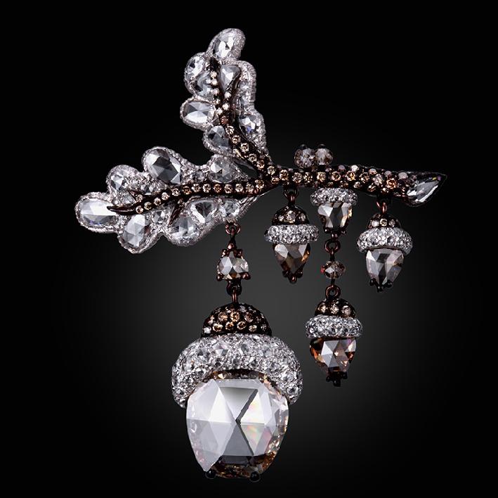 Collana di Carnet esposta a Masterpiece London