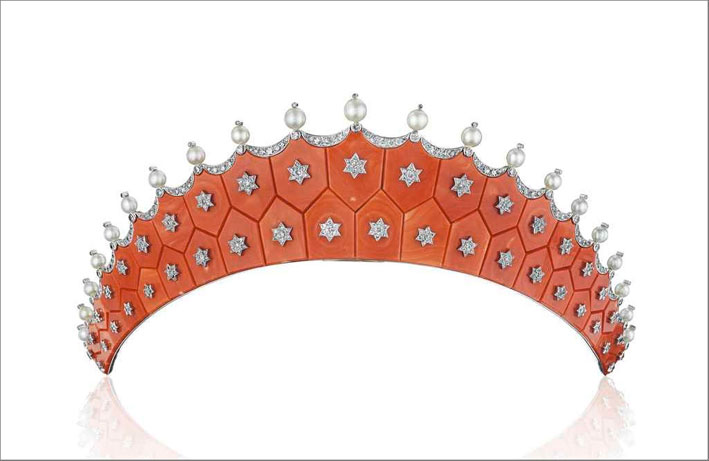 Tiara di Cartier in corallo, diamanti, perle. Venduta per 775.000 dollari