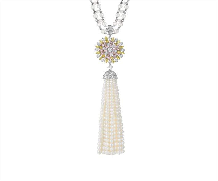 Collana con nappa di perle e diamanti della collezione Aster