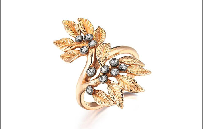 Anello Daphne in oro e diamanti, Flora collection