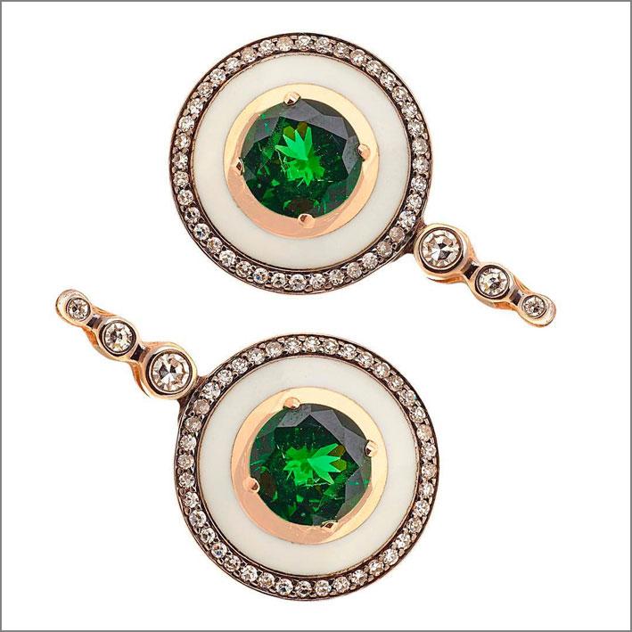 Selim Mouzannar, orecchini con tsavoriti, avorio, smalto, diamanti