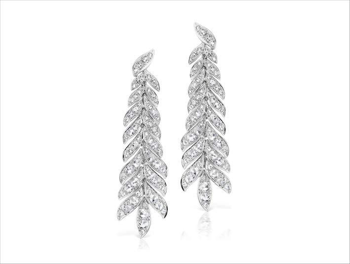 Orecchini con diamanti a forma di petali