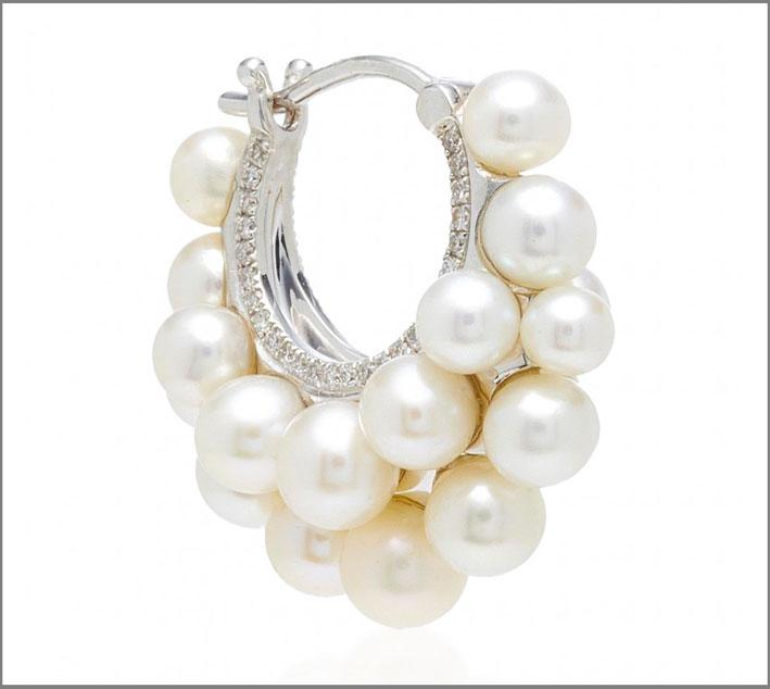 Orecchino in ro bianco e perle
