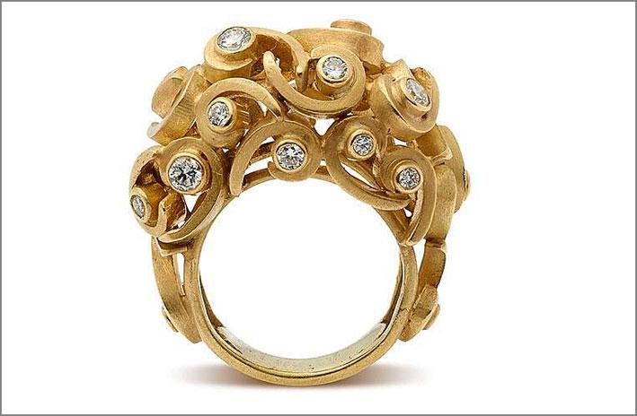 Francesca Grima, anello Arabesque in oro e diamanti