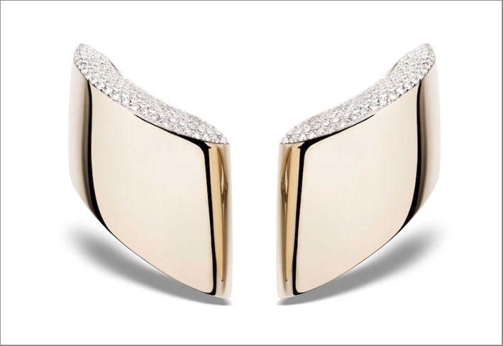 Vhernier, orecchini Vague in oro e diamanti