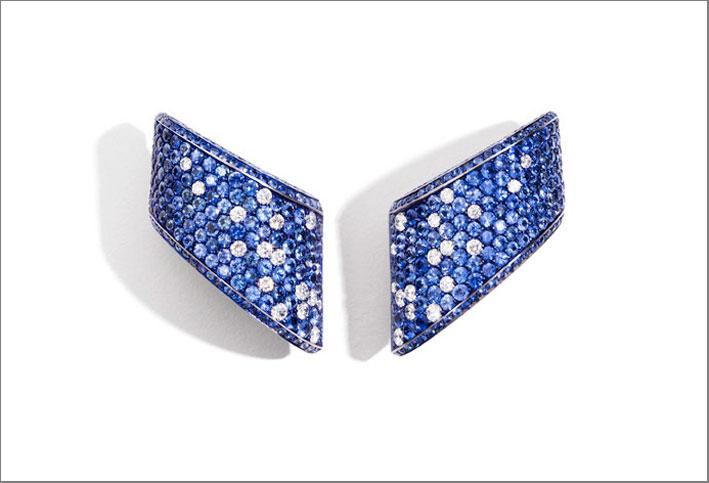Orecchini Vague Volta Celeste, con zaffiri e diamanti