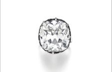Anello con diamante da 26 carati acquistato per 10 sterline e rivenduto da Sotheby's per 656.750