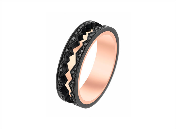 Anello della collezione Capture in motion in oro rosa e diamanti neri