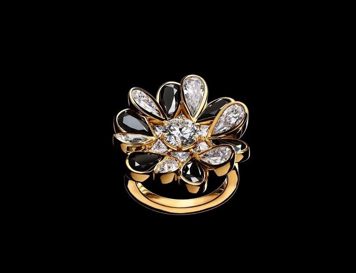 Anello della collezione Unconditional, oro diamanti bianchi e neri