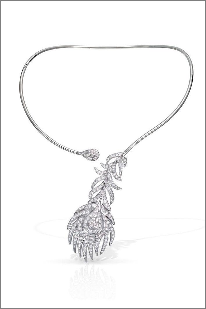 Collier della collezione Piuma, oro bianco e diamanti