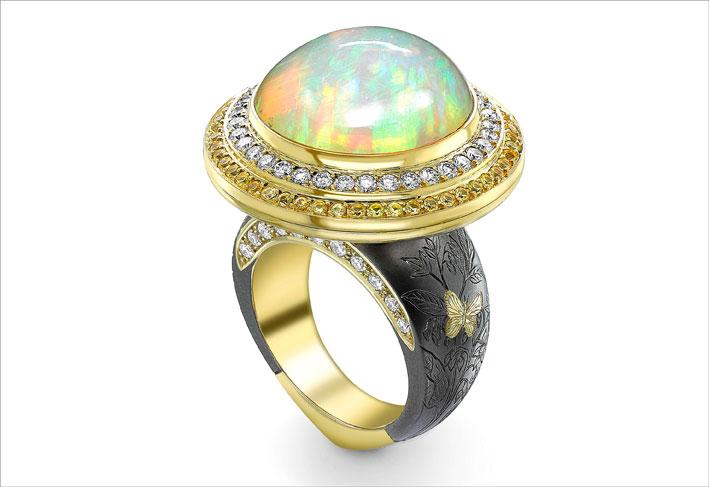 Anello con opale di Theo Fennell