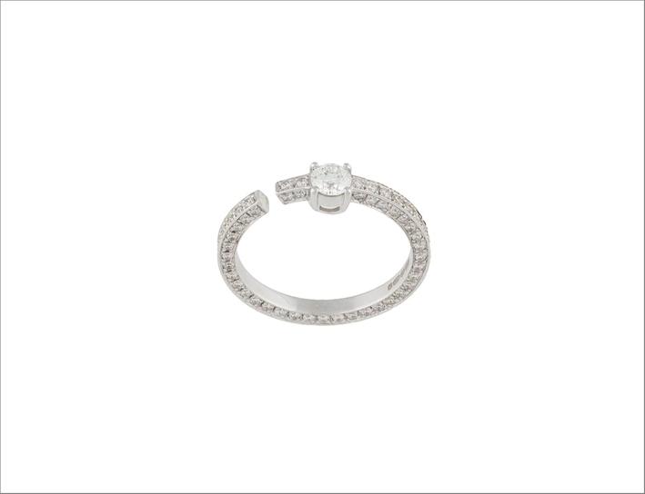 Anello in oro bianco 18 carati e diamante